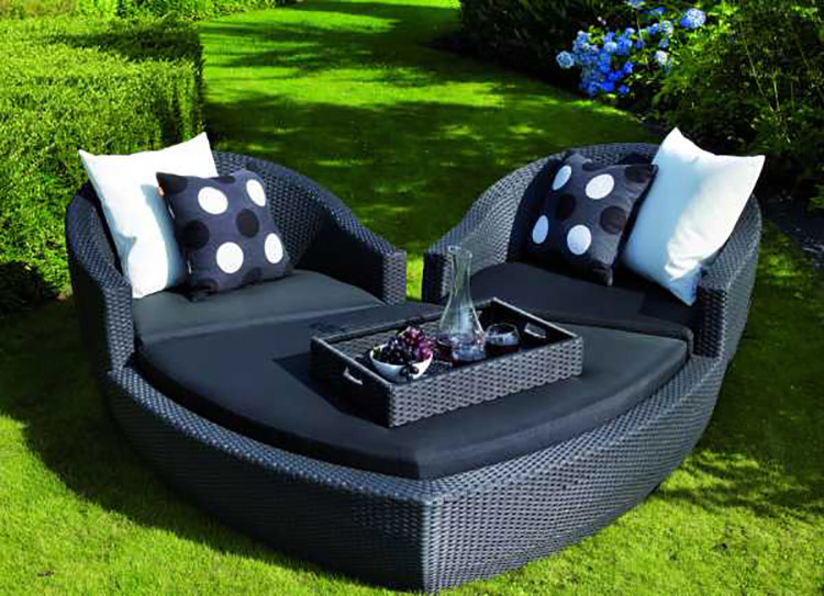Heart daybed Foto: Garden furniture Scotland
