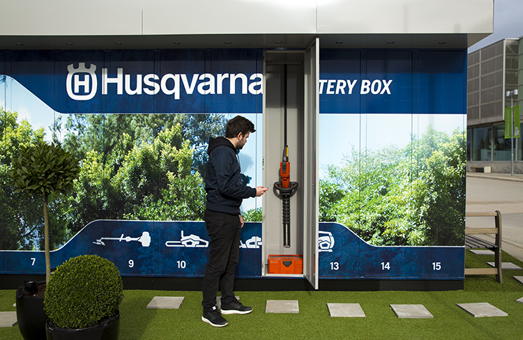 Husqvarna Battery Box  vid Bromma Blocks Foto: Telenor Connexion