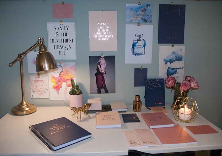 organiserat och trendigt skrivbord med jo judy. Black Bedroom Furniture Sets. Home Design Ideas