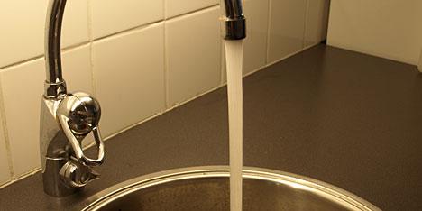 Missfärgat vatten i toaletten